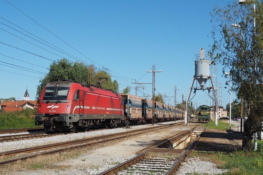 VKM-30900-Pragersko-541-015-und-664-103-am-6-Oktober-2020