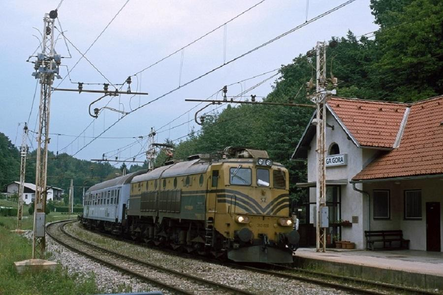 KM-32798-362-026-MAV-RoLa-Dolga-Gora-am-20-Mai-2002