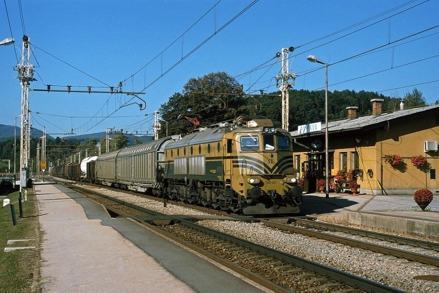 KM-33765-der-362-027-in-Ponikva-am-30-September-2002
